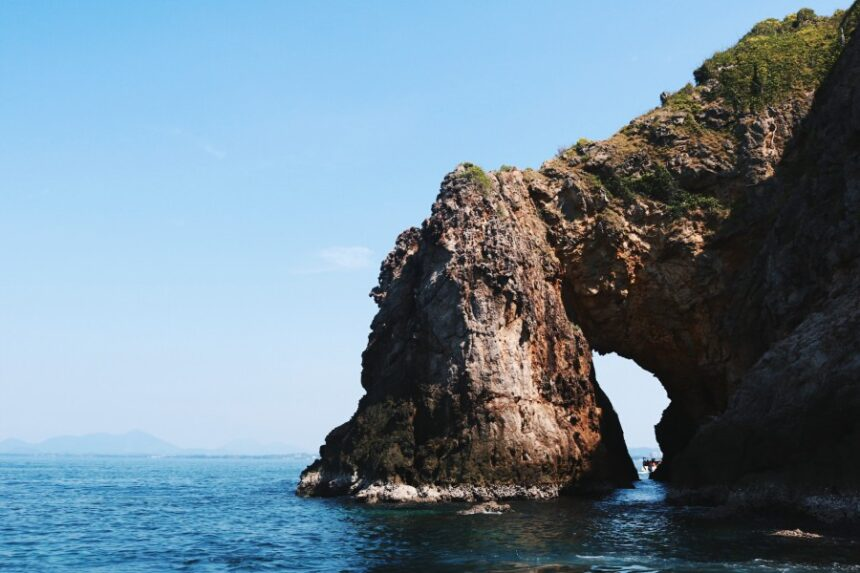 เที่ยวระยอง 3 วัน 2 คืน | ถ่ายรูปย่านเมืองเก่า ดำน้ำเกาะทะลุ ช้อปปิ้งตลาดเกาะกลอย : )
